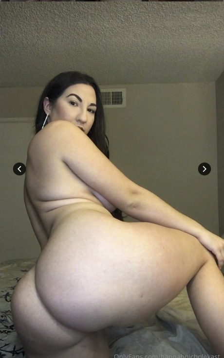 Super Hot PAWG with a Perfect Body
