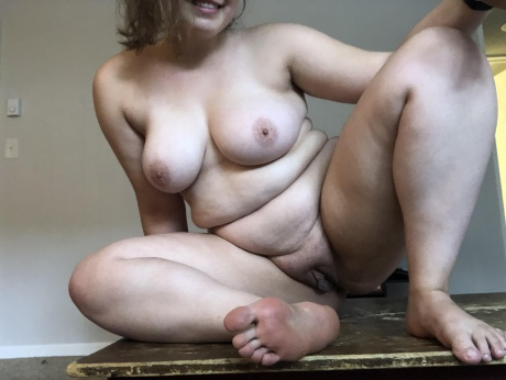 Big Ass White Girl with a Shaved Pussy