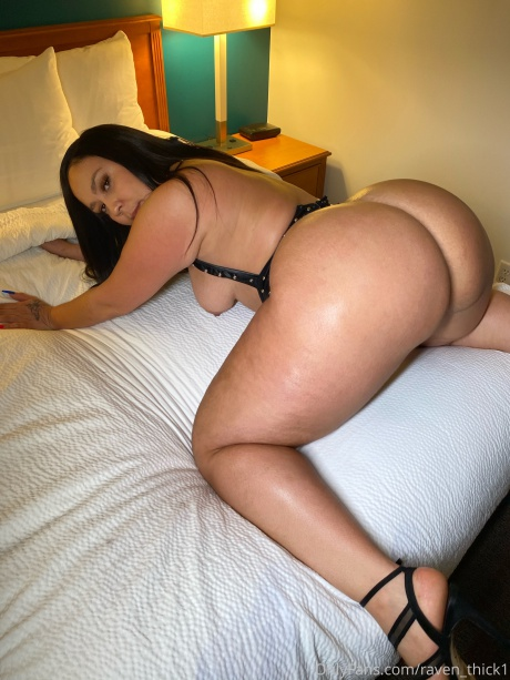 Big Oiled Ass and Thick Legs