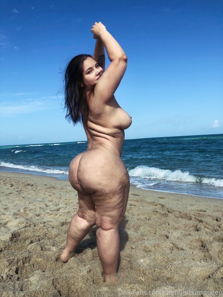 Candid Big Ass PAWG on the Beach