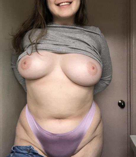 Crazyfishgoescrazy Big Tits Amateur PAWG Selfie