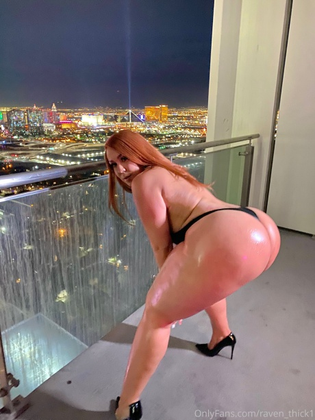 Naked Big Ass Latina Girl Twerking in Vegas