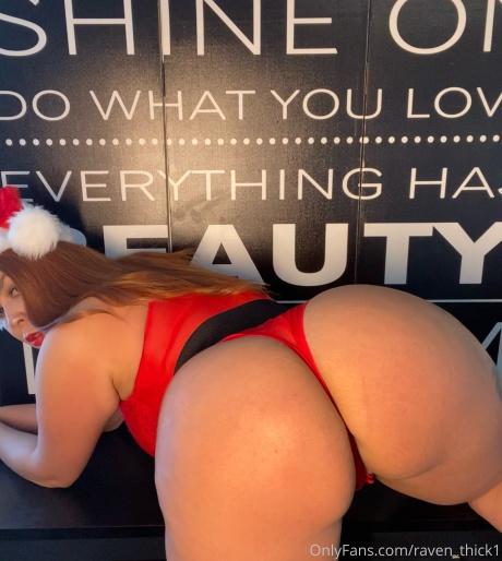Raven_Thick Big Christmas Booty Twerking