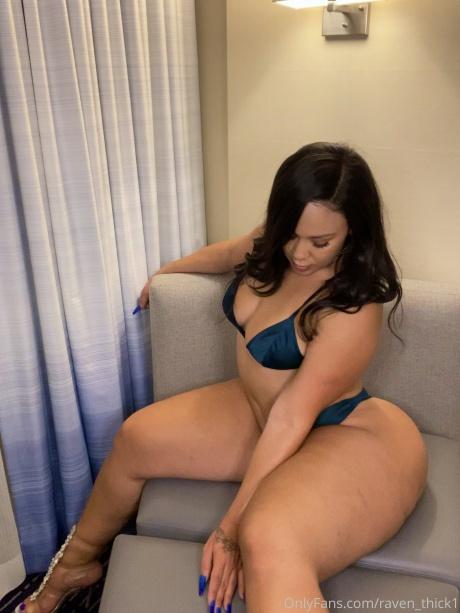 Raven_Thick Small Waist Big Hips Latina