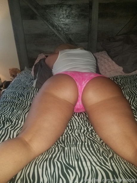 Big Tanned Ass POV Booty Shaking