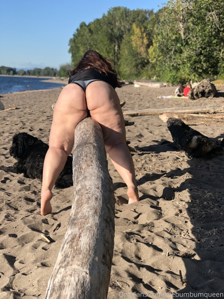 Bubble Butt PAWG with Wide Hips