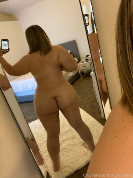 Chubby PAWG Amateur Booty Selfies