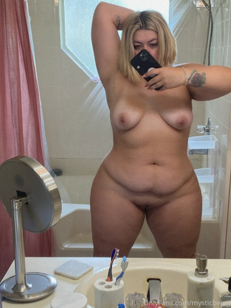 Fat Ass Blonde with a Shaved Pussy