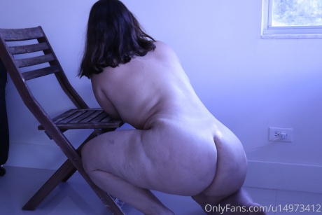 Fat Cellulite Ass Twerking and Booty Clapping