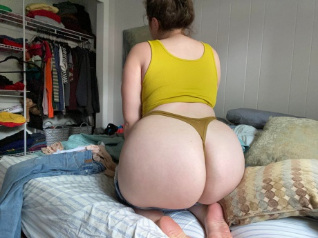 Perfect Booty White Girl Ass Shaking