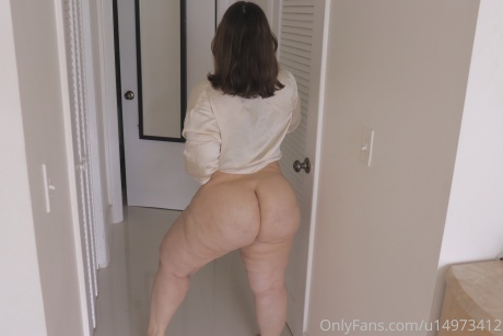 Perfect White Bubble Butt and Thick Legs