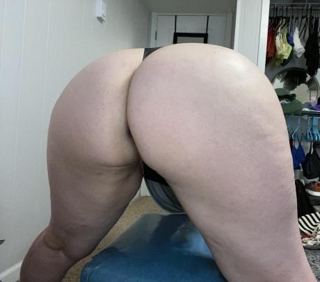 Phat Ass White Girl POV Close up