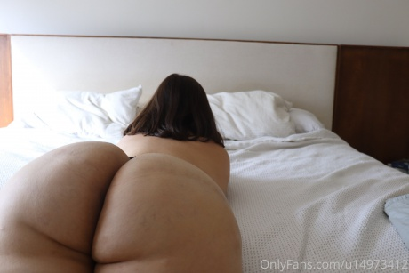 Thick PAWG with a Big Juicy Ass POV Close up